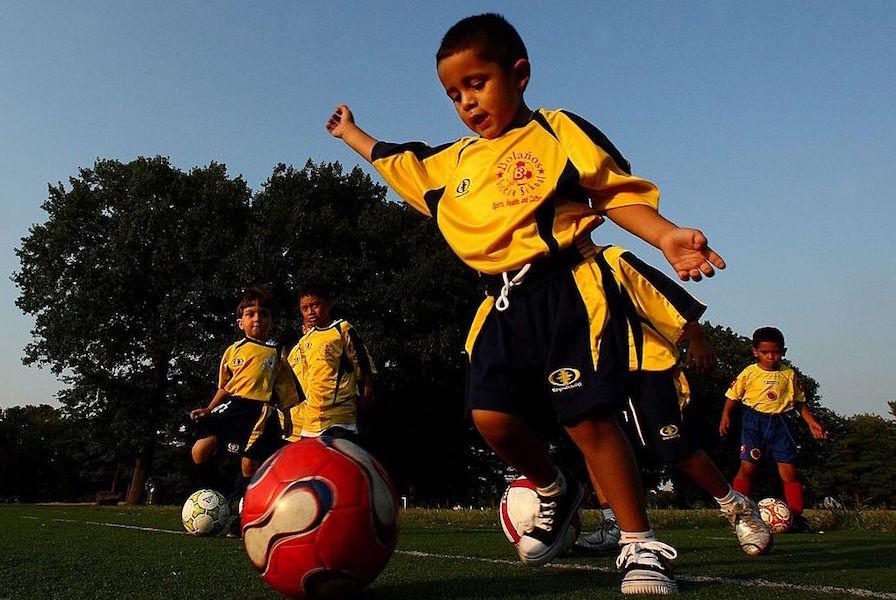子供がサッカーに目覚める瞬間とは【写真:Getty Images】