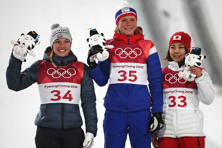 スキージャンプ女子ノーマルヒル個人で高梨沙羅が銅メダルを獲得【写真:Getty Images】