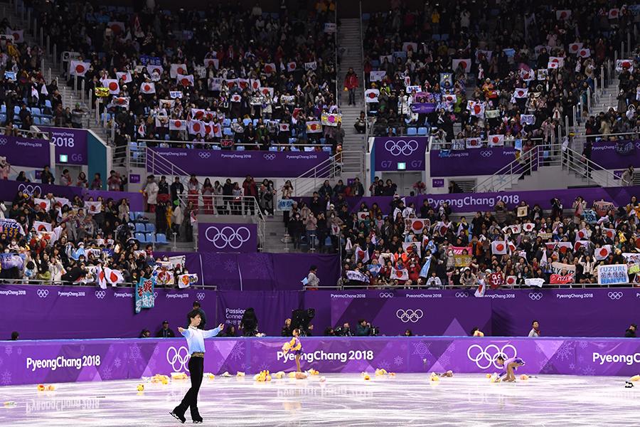フィギュアスケート男子シングルで堂々の首位発進となった羽生結弦【写真:Getty Images】