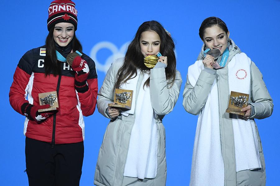 フィギュアスケート女子シングルは、ザギトワとメドベージェワが金・銀を獲得【写真:Getty Images】