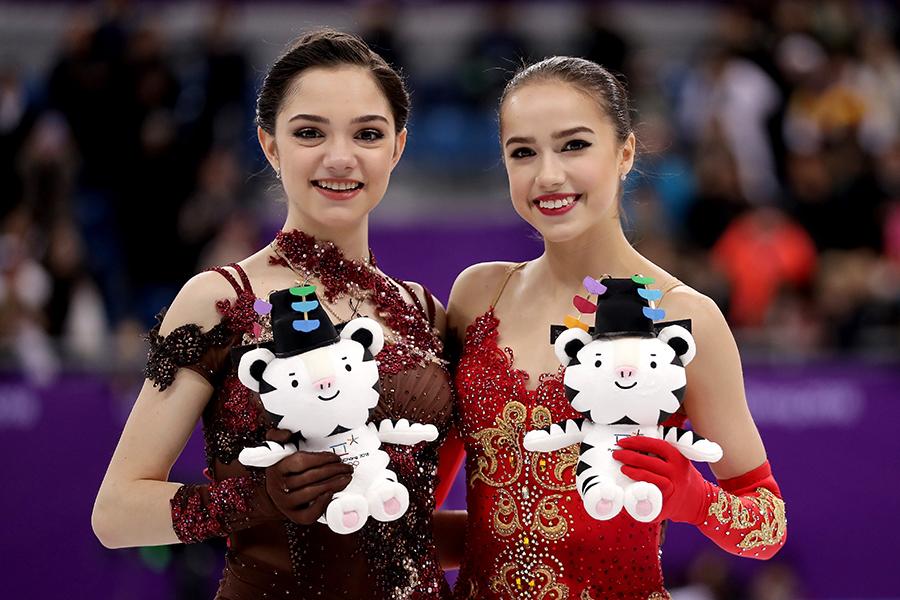 五輪でも屈指のハイレベル決戦を繰り広げたメドベージェワとザギトワ【写真:Getty Images】