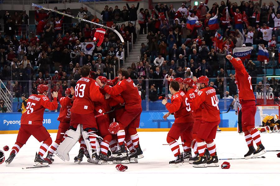 アイスホッケー男子決勝で金メダルに輝いたOAR【写真:Getty Images】