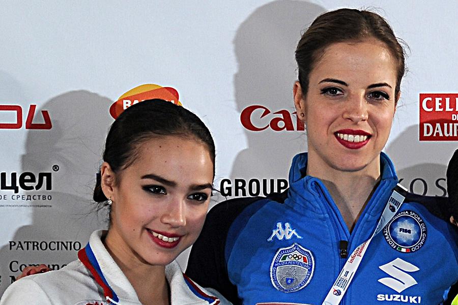 アリーナ・ザギトワ、カロリーナ・コストナー【写真:Getty Images】