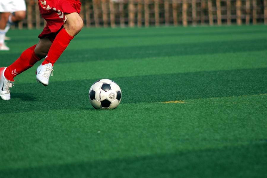 """フェルハイエンはサッカーの練習に走りの""""量""""は必要ないと、唱えている【写真:photolibrary】"""