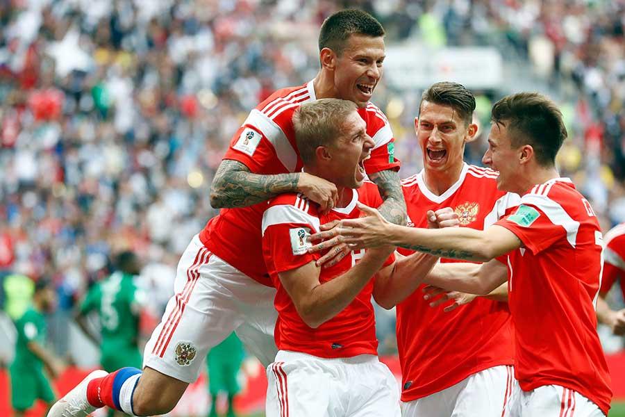 ロシアが5得点を決めて大勝【写真:AP】