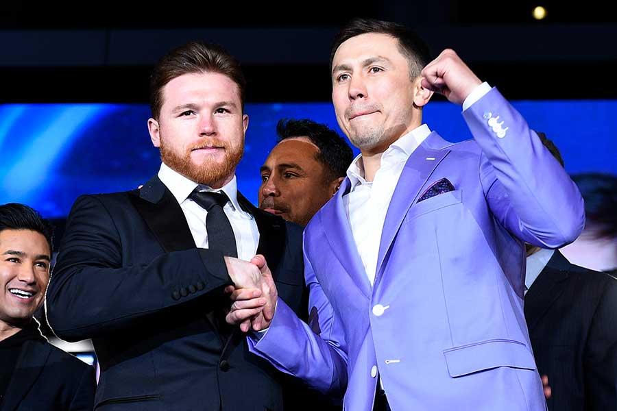 サウル・アルバレス(左)とゲンナジー・ゴロフキン【写真:Getty Images】