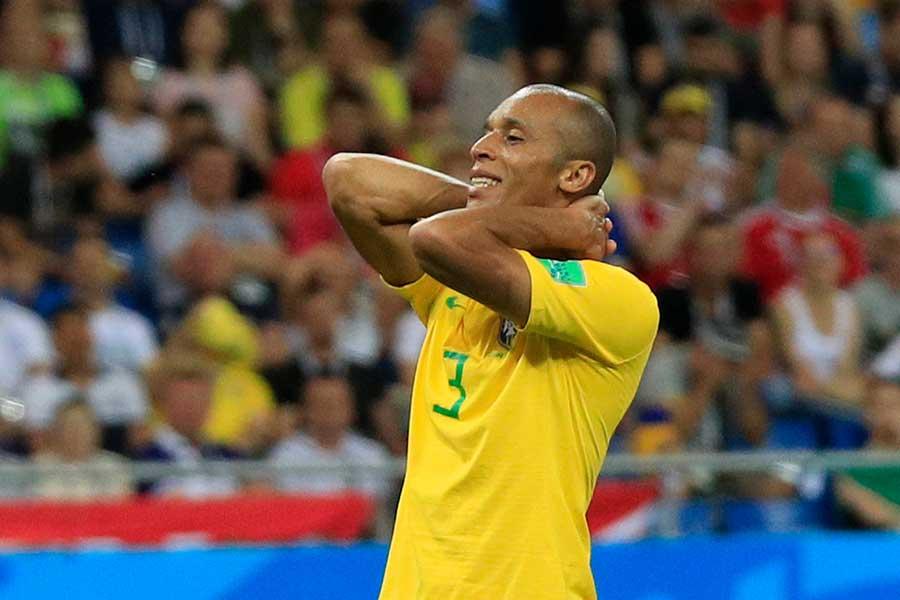 スイス戦に出場したブラジル代表DFミランダ【写真:Getty Images】