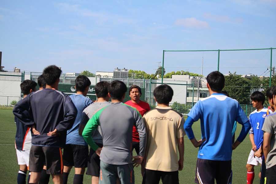 日本サッカーの育成現場を変えるため挑戦する上船利徳【写真:本人提供】