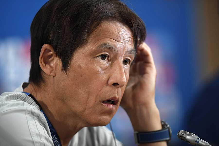 ベスト8進出をかけた大一番に挑む日本代表・西野監督【写真:Getty Images】