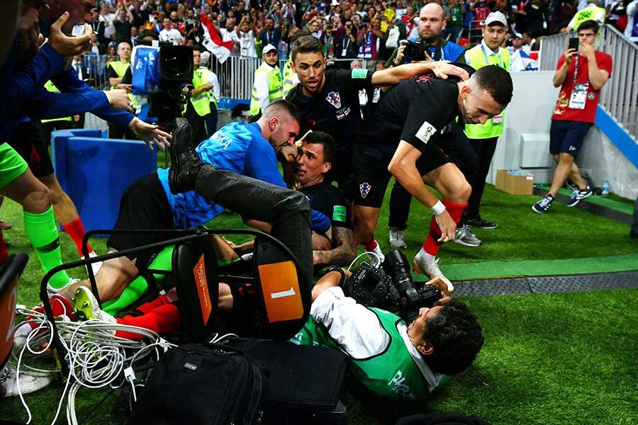勝ち越し点を決めて喜びを爆発させるクロアチア【写真:Getty Images】