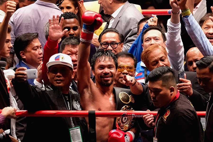 マティセを7回TKOで破り、王座を獲得したパッキャオ【写真:Getty Images】