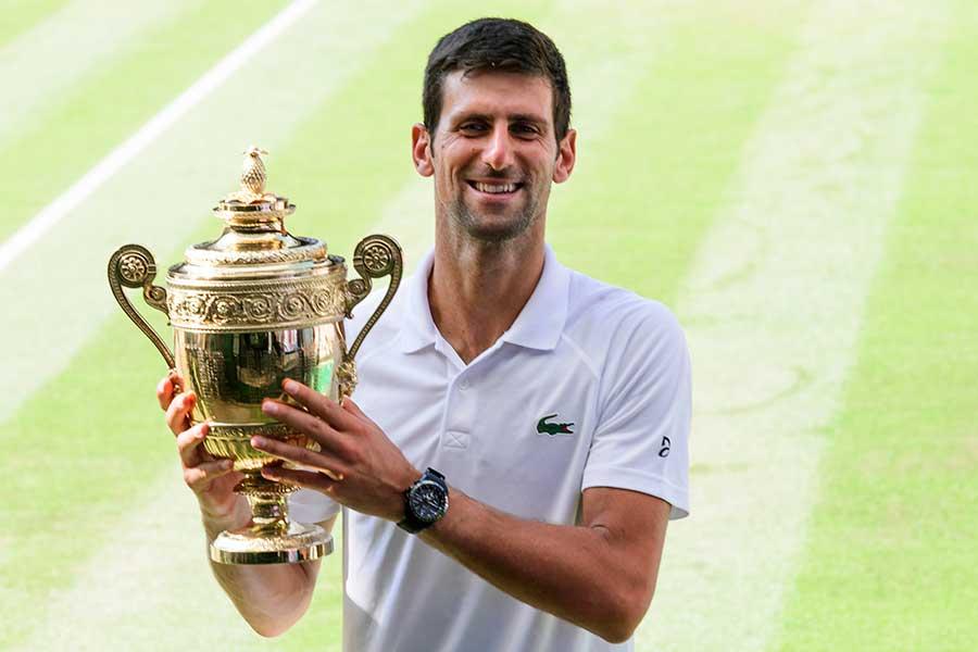 4年ぶり3度目のウィンブルドン優勝を飾ったノバク・ジョコビッチ【写真:Getty Images】