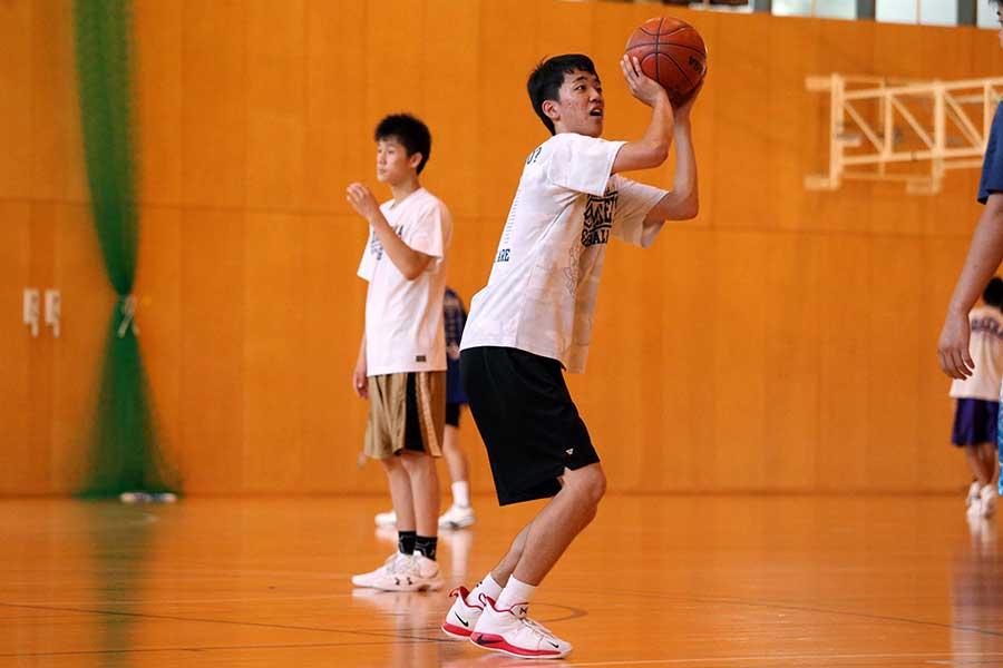 昨年のU-16アジア選手権で日本代表に選ばれた2年生の岩崎光瑠【写真:平野貴也】