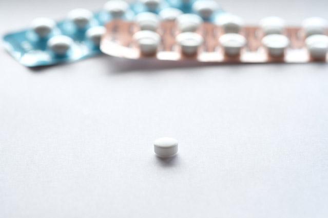 月経と付き合う上で、対処法の一つとしてピルの服用が挙げられる【写真:photolibrary】