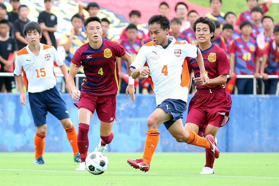 国学院久我山は3-0で神戸弘陵を破って1回戦を突破【写真:平野貴也】
