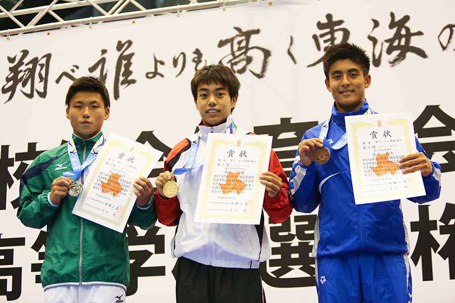 男子3m飛板飛込は西田玲雄(3年=桃山学院高)が初優勝を飾った【写真:山田智子】