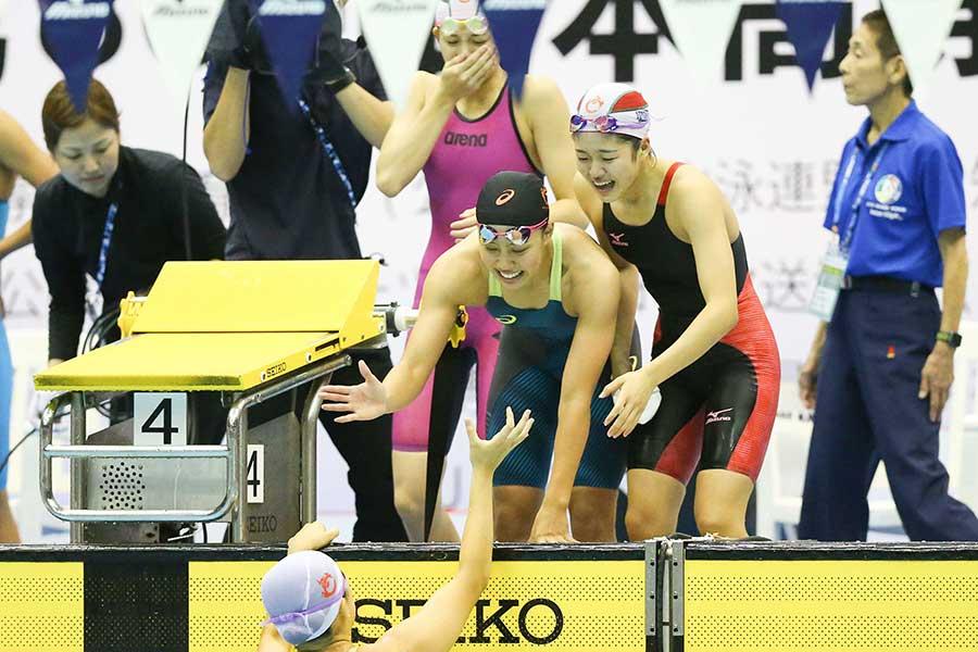 女子400メートルメドレーリレーを制した豊川(愛知)【写真:荒川祐史】