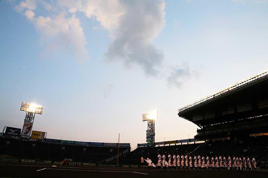 第100回全国高校野球選手権記念大会第15日は20日、準決勝2試合が行われた