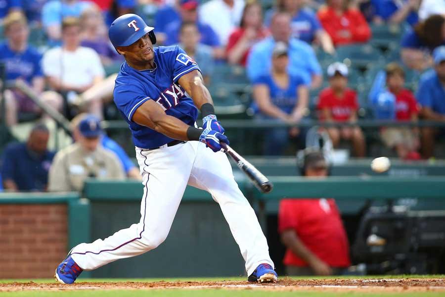 MLBが公式SNSでベルトレら3選手の膝つき弾を特集【写真:Getty Images】