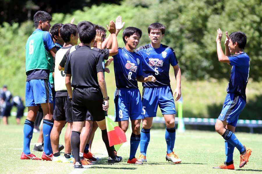 大津高校(熊本)の男子サッカー部がインターハイで8強に進出した【写真:平野貴也】