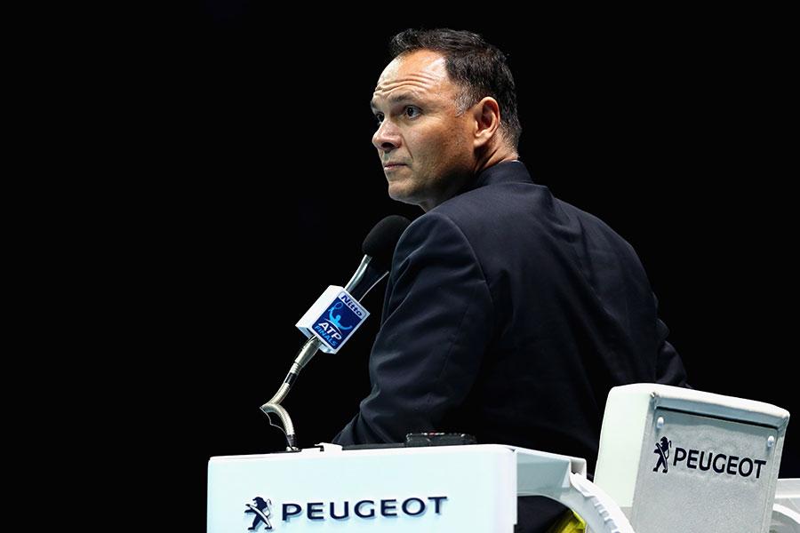 出場停止処分を言い渡されたモハメド・ラヒアーニ主審【写真:Getty Images】