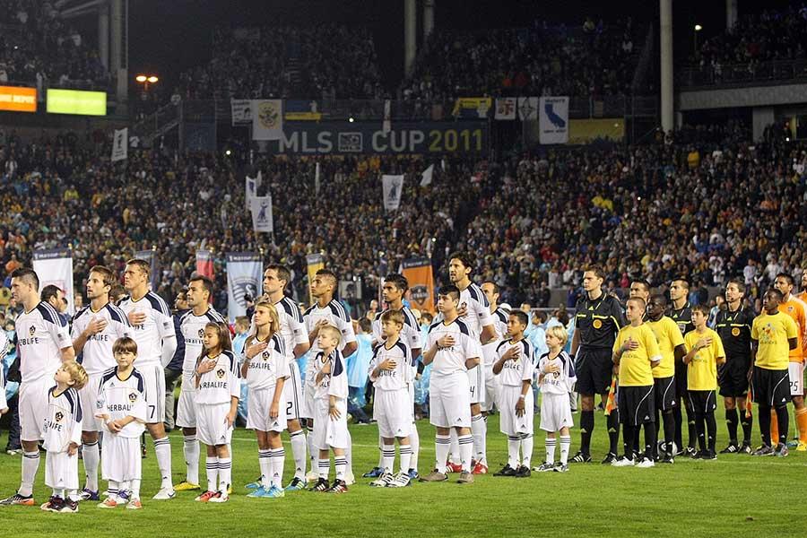 "MLSで響いた""天使の歌声""を著名人も称賛している【写真:Getty Images】"