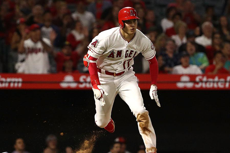 MLB史上初の記録を打ち立てた大谷【写真:Getty Images】