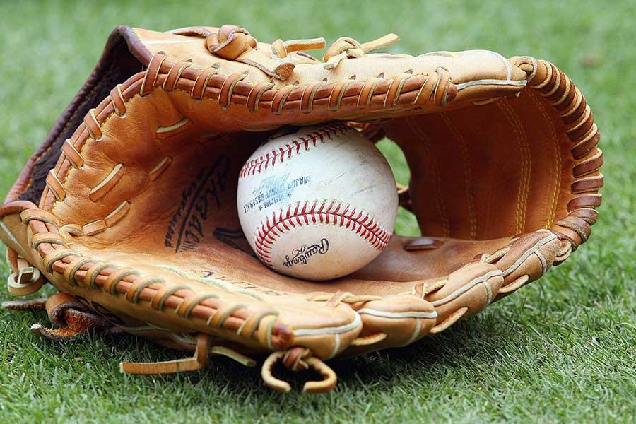 プロ野球の広島は16日、カイル・レグナルト投手と契約合意に達したと発表した