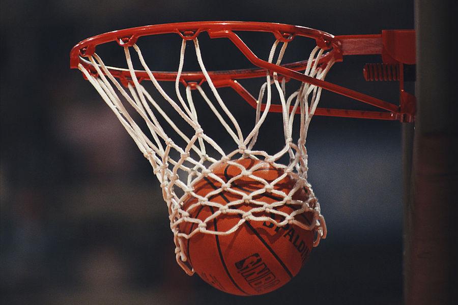 米国の大学バスケで信じられないプレーが起こった【写真:Getty Images】