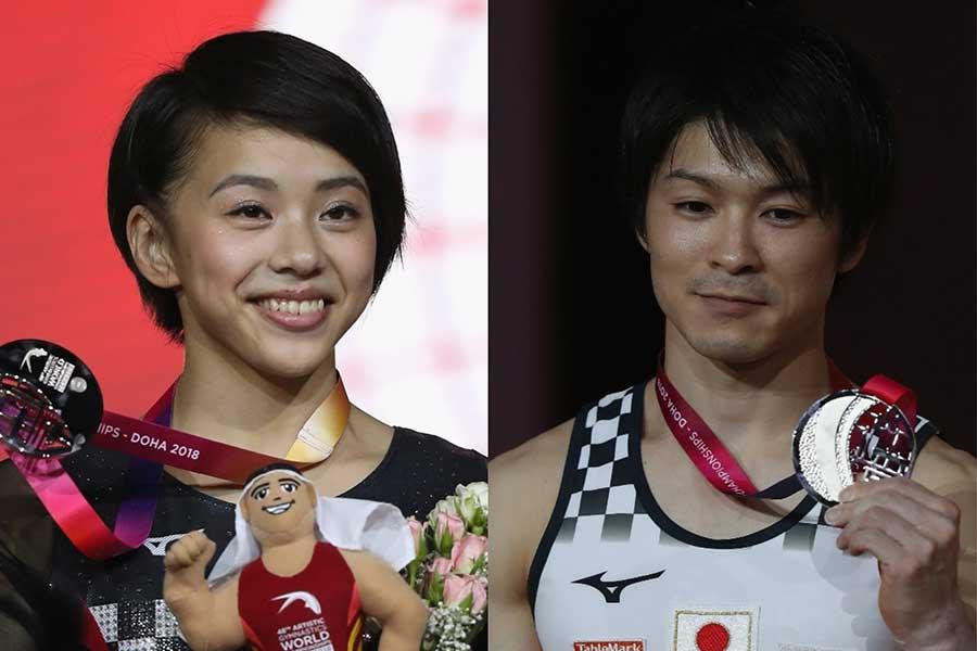 女子個人総合で銀メダルの村上(左)と男子鉄棒で銀メダルの内村【写真:Getty Images】