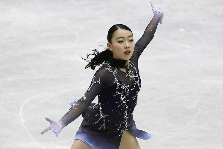 NHK杯で優勝を飾った紀平梨花【写真:AP】