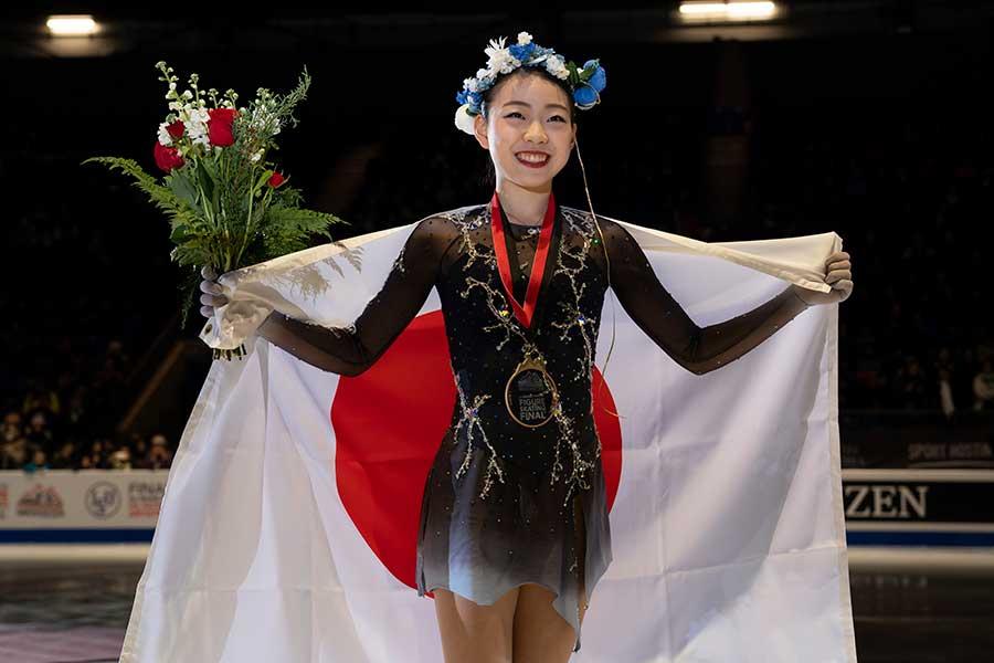 シニア1年目のファイナル制覇を達成した紀平梨花【写真:Getty