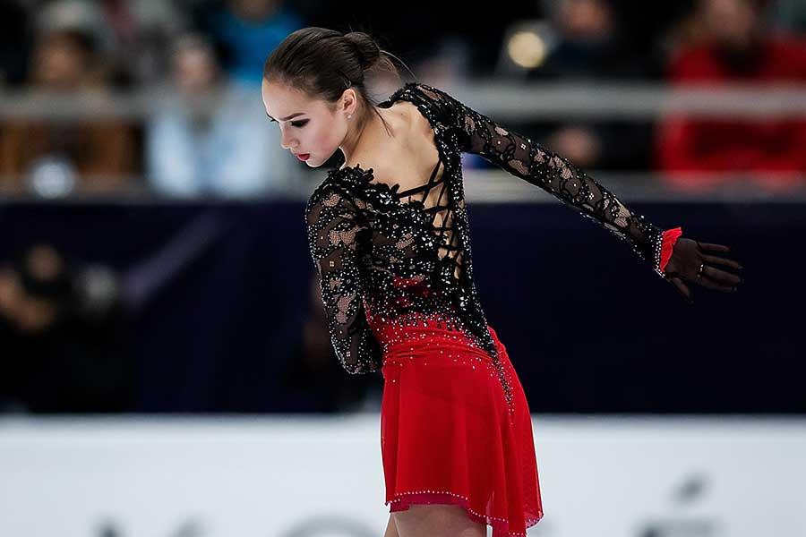 ロシア選手権でまさかの5位に終わったザギトワ【写真:Getty Images】