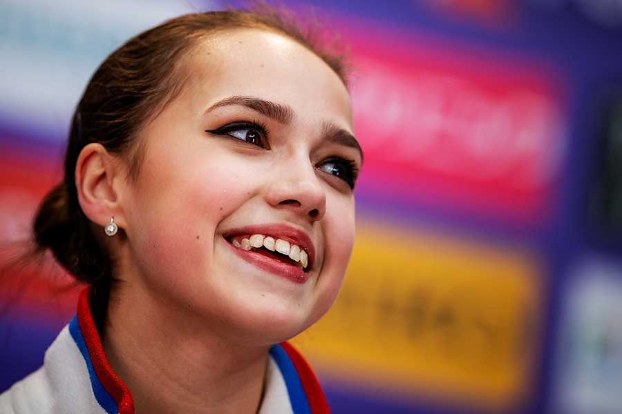 8月に中日のユニホーム姿を披露したザギトワ【写真:Getty Images】