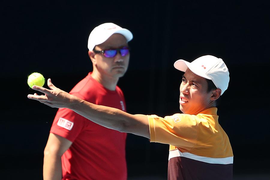 錦織圭(右)を指導するチャンコーチ【写真:Getty Images】