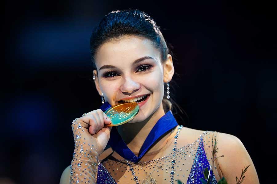 欧州選手権で優勝したソフィア・サモドゥロワ【写真:Getty Images】