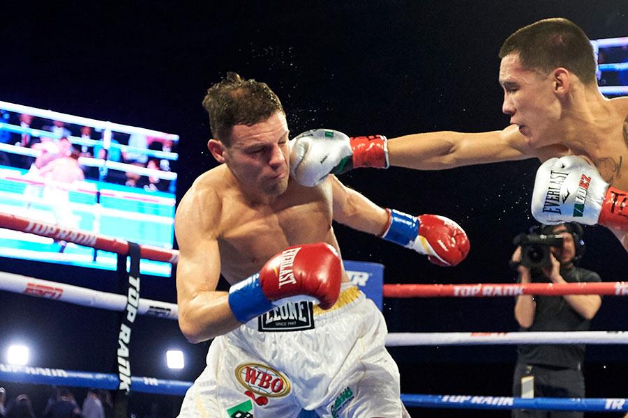 7回TKOで敗れたカルミネ・トマゾーネ【写真:AP】