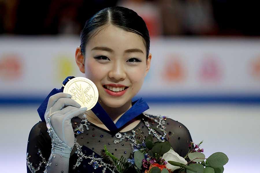 四大陸選手権で逆転優勝を飾った紀平【写真:AP】