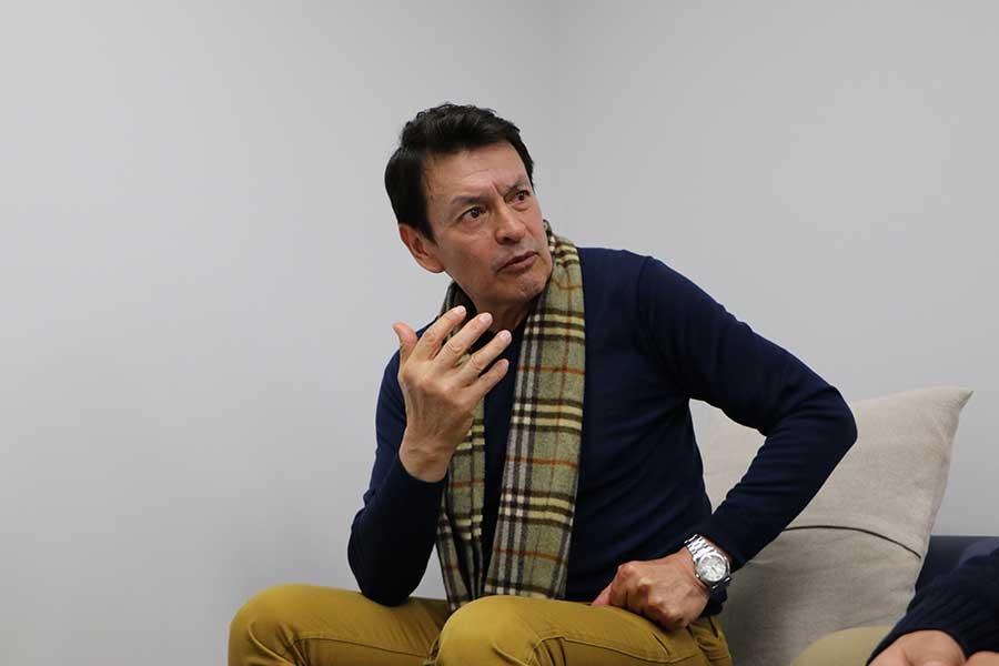 リノ氏はスペインと日本の育成環境の違いを指摘した【写真:編集部】