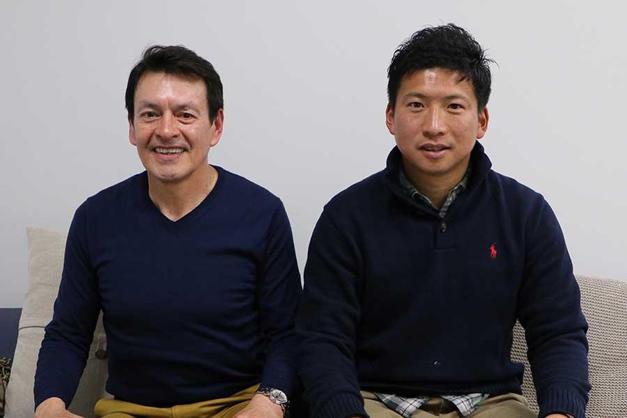 スペインと日本両国を知るリノ氏(左)と吉住氏が日本サッカーの問題点を指摘した【写真:編集部】