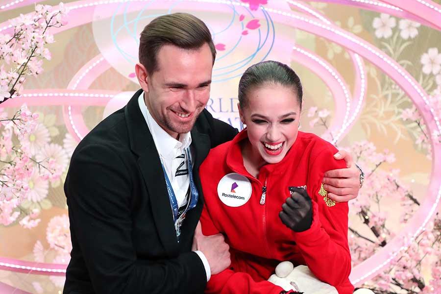 世界選手権初優勝を飾ったアリーナ・ザギトワ【写真:Getty Images】