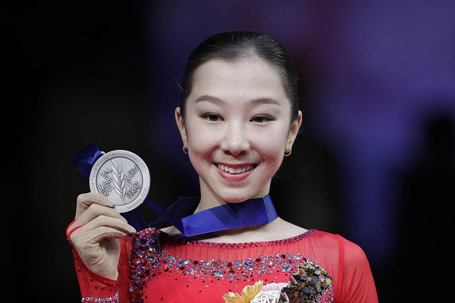 4回転サルコーを成功させ銀メダルに輝いたエリザベート・トゥルシンバエワ【写真:AP】