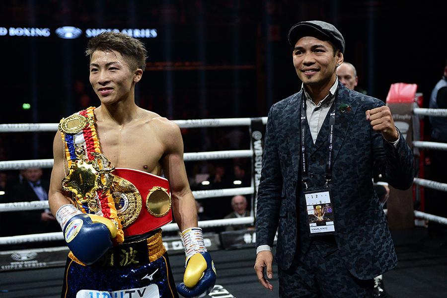 TKO勝ちを飾った井上尚弥(左)とノニト・ドネア【写真:Getty Images】