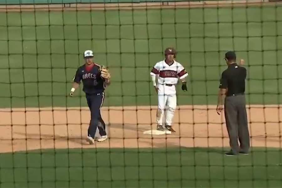 米国の大学野球で珍しいトリプルプレーが発生(画像はスクリーンショット)