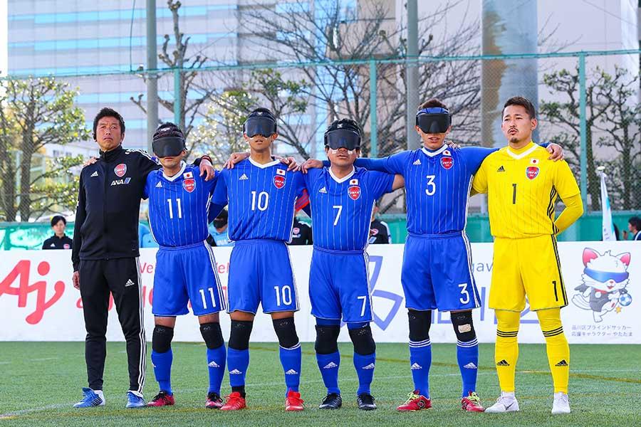 中川氏(一番左)は普通のサッカーとの情報収集の方法の違いについて話した【写真:日本ブラインドサッカー協会/鰐部春雄】