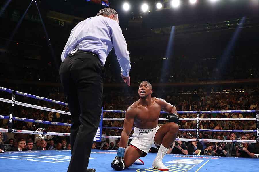 7回TKO負けで王座陥落のジョシュア【写真:Getty Images】
