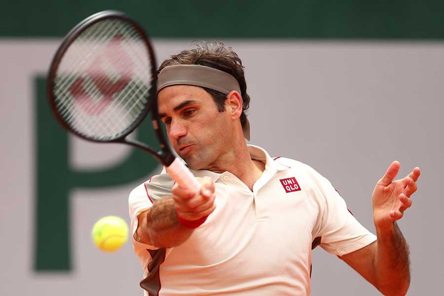 全仏オープン準決勝で敗退したロジャー・フェデラー【写真:Getty Images】