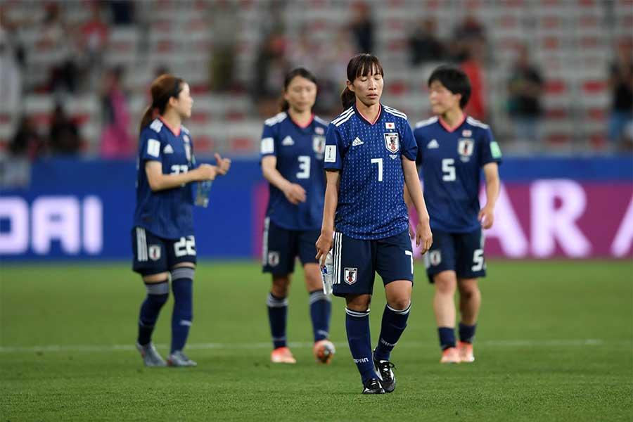 1次リーグD組最終戦で日本はイングランドに0-2で敗れた【写真:Getty Images】