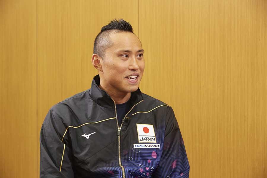 男子400メートルリレーに出場する塩浦慎理【写真:テレビ朝日】