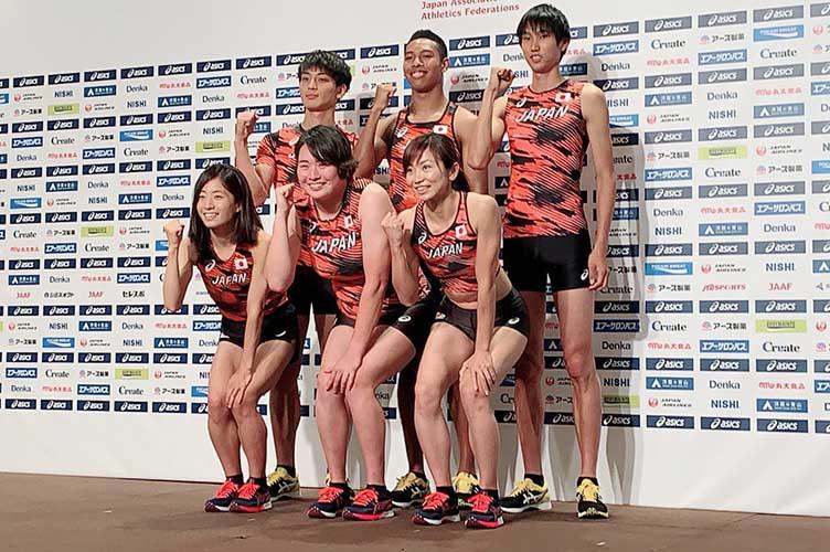 世界選手権で着用する新ユニホームがお披露された【写真:編集部】